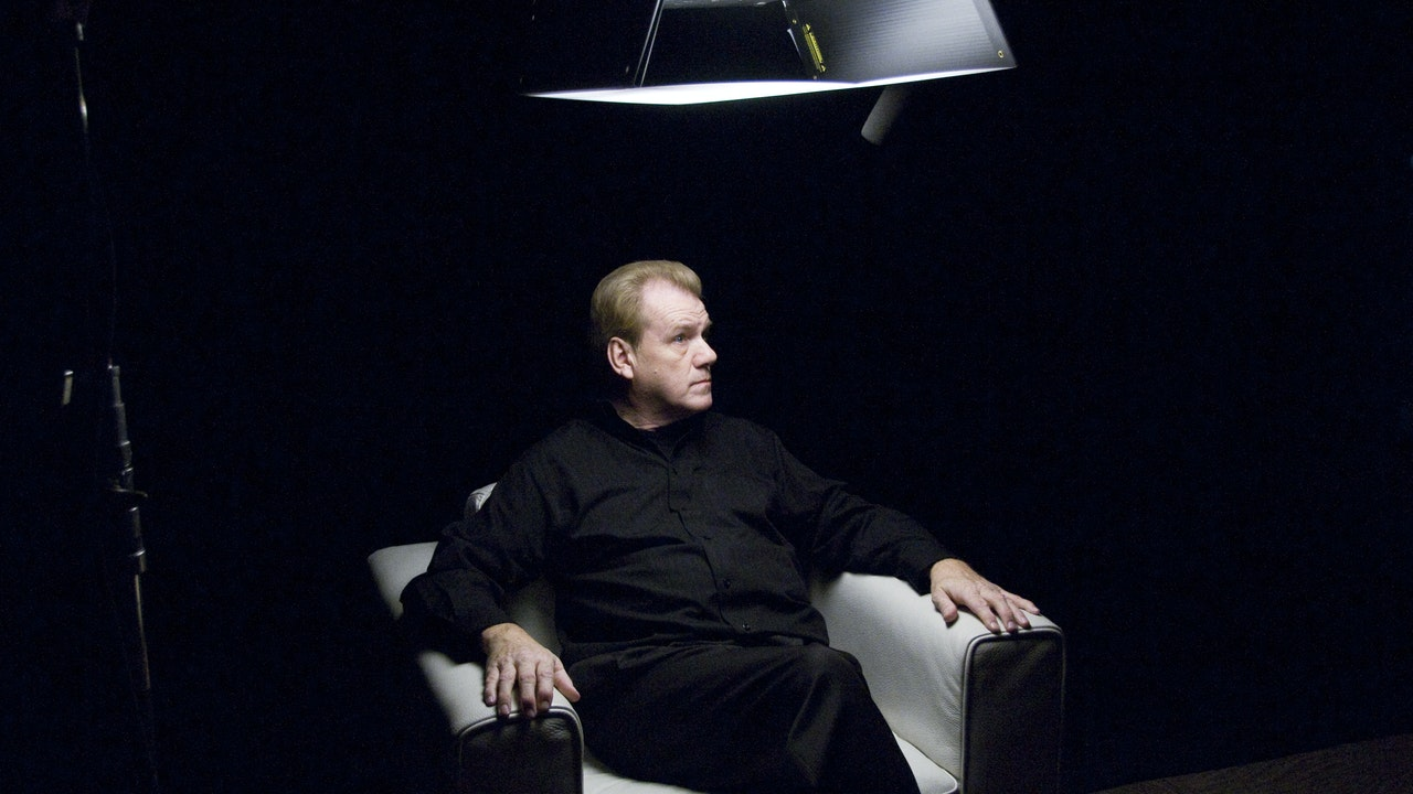 David Ring White Chair Film (Season 6)