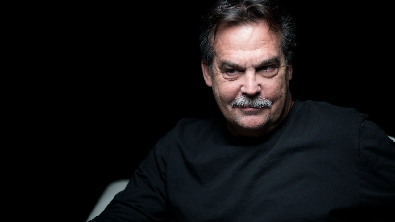 Jeff Fisher White Chair Film (Season 7)