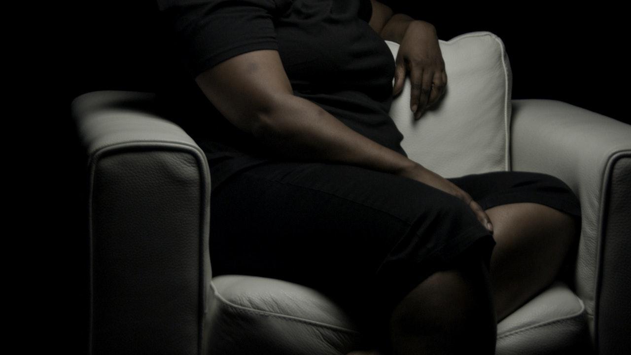 Shana White Chair Film (Season 1)