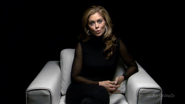 Kathy Ireland White Chair Film HD