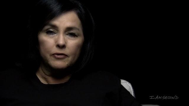 Kay Robertson White Chair Film HD