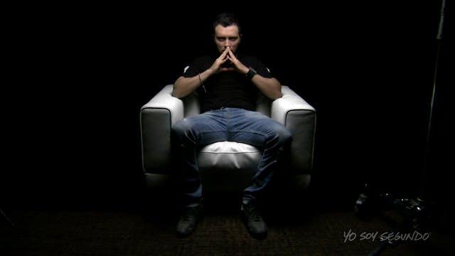 Alejandro Cesar White Chair Film HD - Spanish