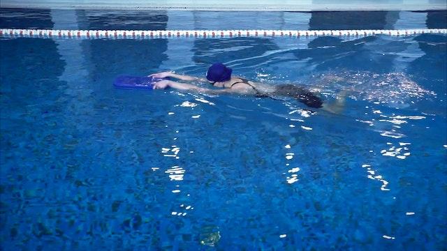 05. Плавание на ногах с доской брассом