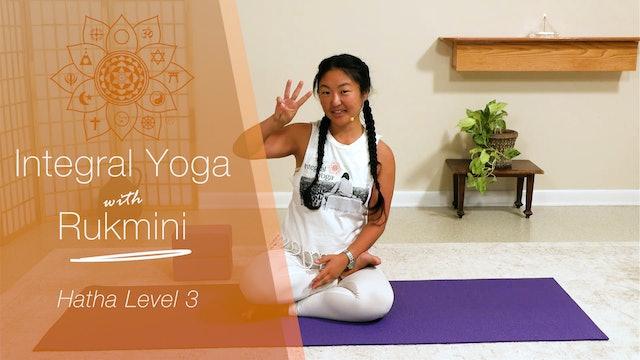 Hatha Yoga - Level 3: 75-min class with Rukmini Ando