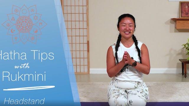 Hatha Yoga Tips: Headstand with Rukmi...