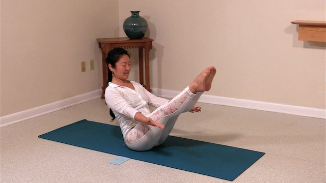 Hatha Yoga Tips: Forward Boat Pose with Rukmini Ando