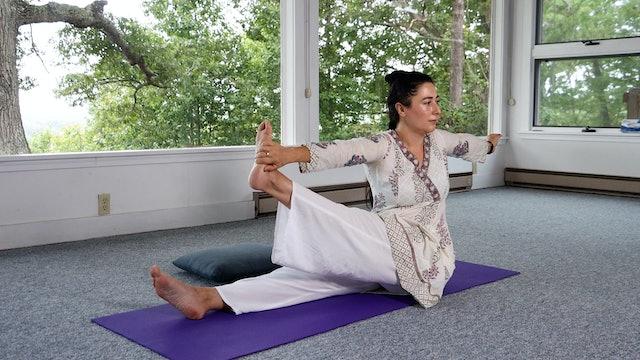 20-min Level 2 Hatha Yoga Class with Malati Kurashvili