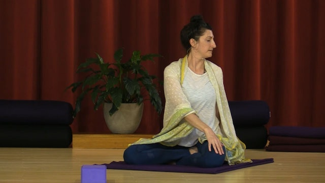 Hatha Yoga - Mixed Level with Lila Amma