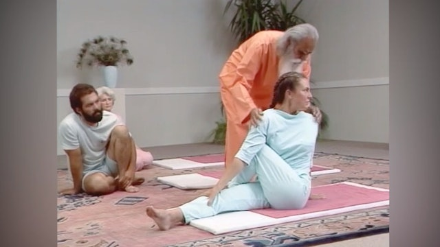 Yoga with a Master - Level 1 with Sri Swami Satchidananda