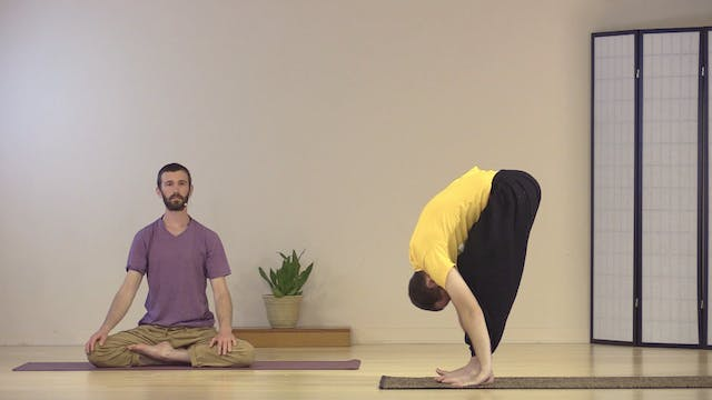 Hatha Yoga - Mixed Level with Zac Par...