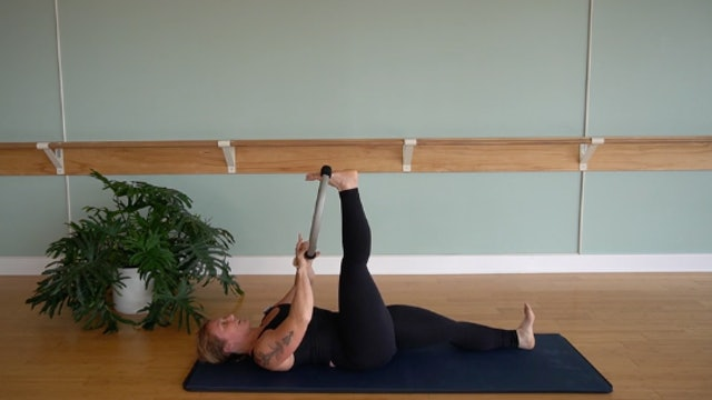 Pilates Ring on the Mat with Glenna Asmus (Level 2)