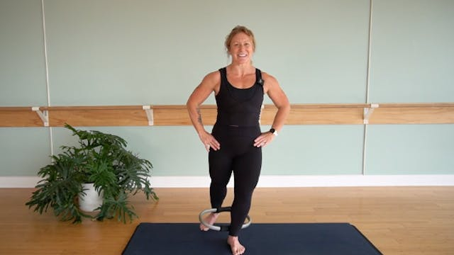 Standing Ring Sequence with Glenna As...
