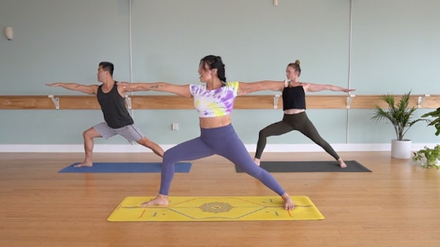 Vinyasa Strength with Yvonne Rodriguez (Level 2)
