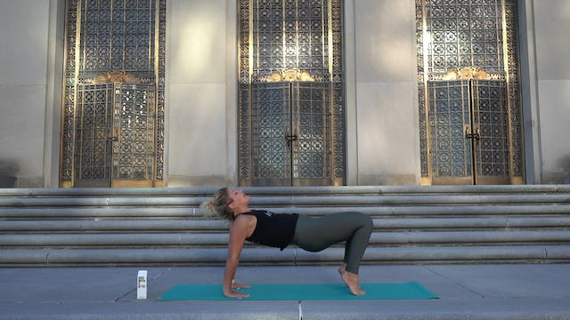 Yoga at the War Memorial with Brooke ...