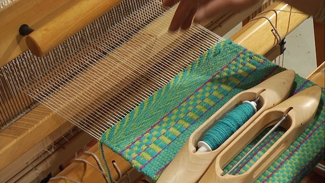 3.4.4 - Weaving Weft Faced Twill at the Loom