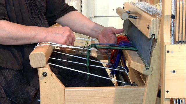 1.2.6 - Tying onto the Front Apron and Tensioning the Warp