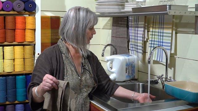 1.10.4 - Handwashing Silk Fabrics