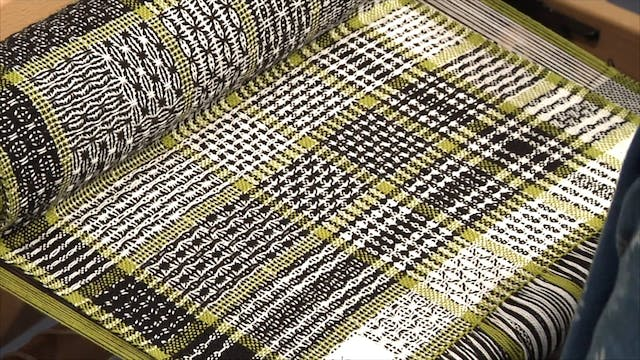 5.4.3 - Huck Colour & Weave at the Loom