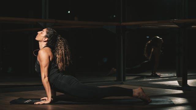 50Min Vinyasa Yoga con Alin