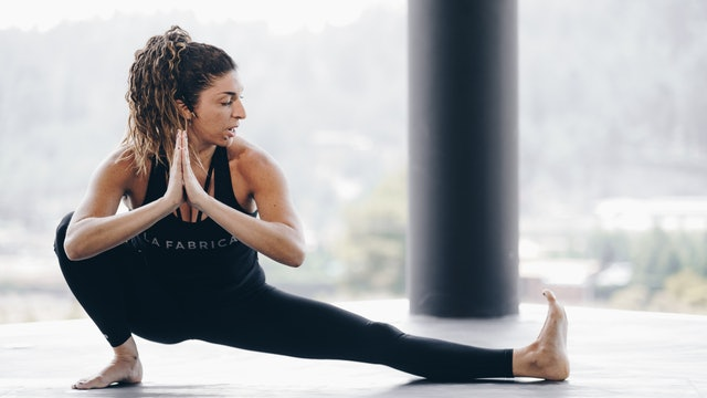 03May -Yoga Vinyasa con Aline