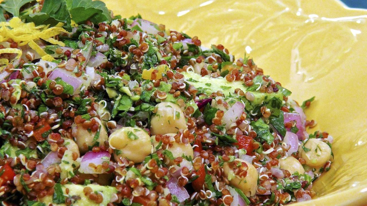 """Spectacular Summer Salads"" - Episode 310 (24 min) Blurred"