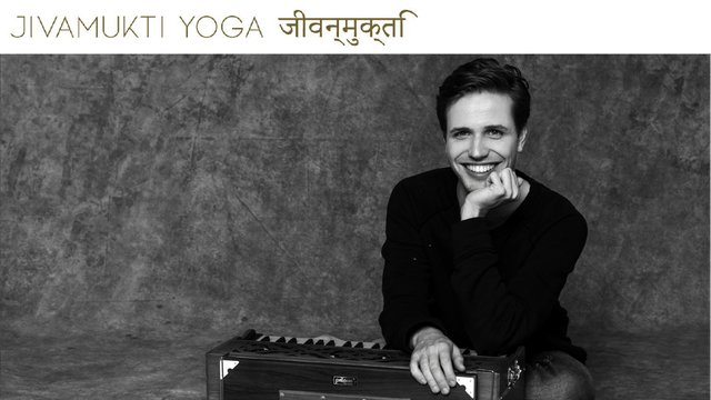 Bhakti: Chanting & Scripture with Moritz