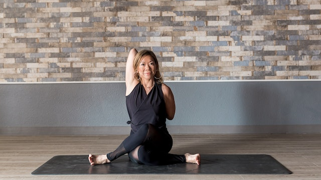 20 Minute Yin Yoga with Lisa - Hip and Thigh Focus