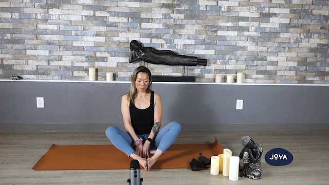 Yin Yoga with Lisa - Hip and Leg Focus