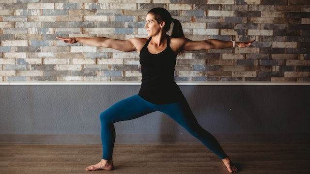 20 Minute Vinyasa Flow with Alison - Happy Hamstrings