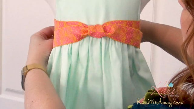 Tying Sashes and Belts