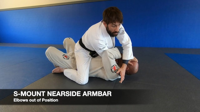 Mount_NearSide_Armbar_3of4