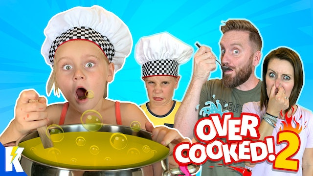 Ava is a Crazy Cook! (Overcooked Family Battle)