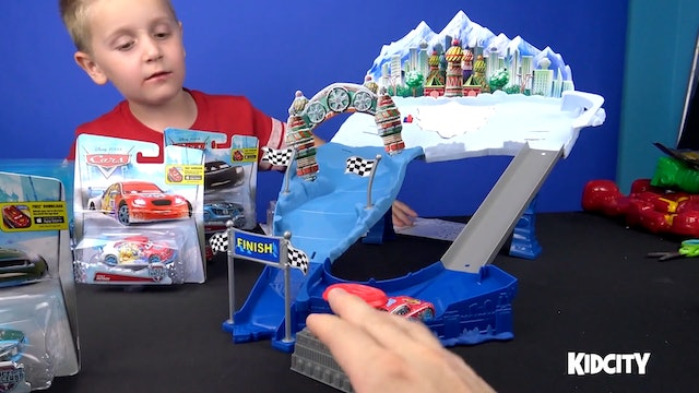 Disney Cars: SnowDrift Spinout Unboxing and Play!