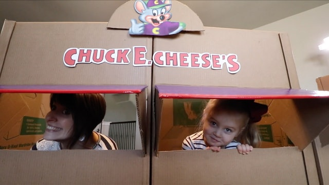EPIC Chuck E Cheese Box Fort!