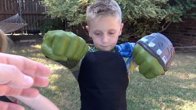Hulk Fists Gear Test & Food Smash!