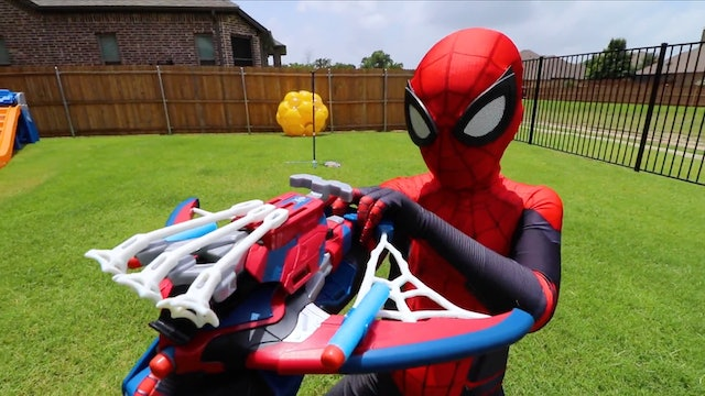 Spider-Man Far From Home Gear Test & Obby!