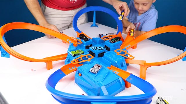 Hot Wheels: Criss Cross CRASH Track!