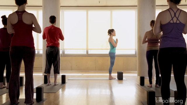 Short Energizing Yoga Class