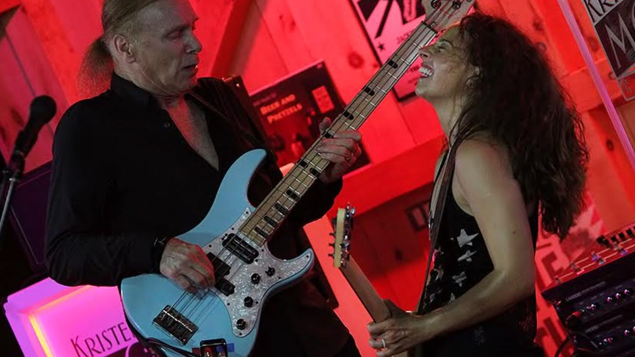 Mondial V 7/31/2019 Daryl's House Club W/ Billy Sheehan