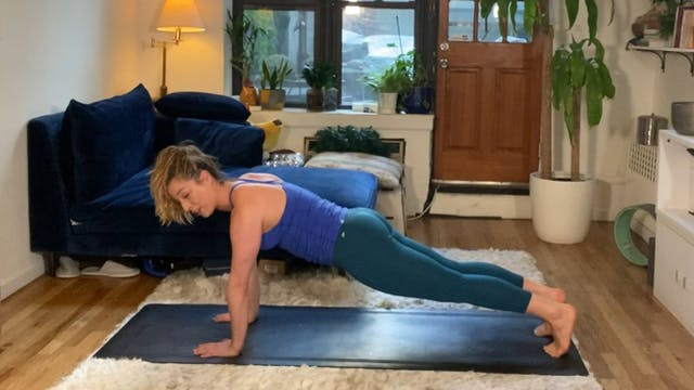 5 Minute Fire-Up Core Yoga