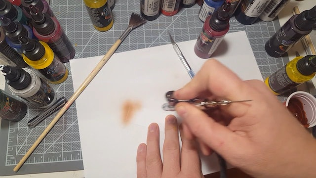 Airbrushing a Bird of Prey (Part 5)