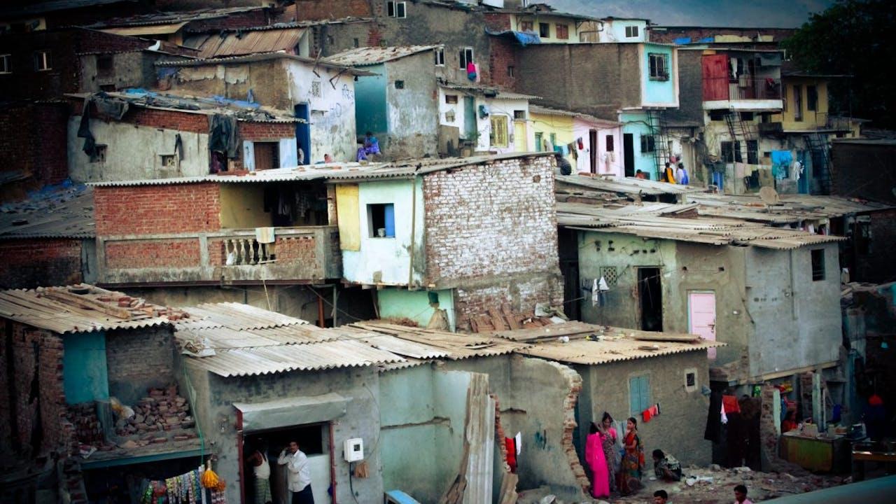 BIDONVILLE: ARCHITECTURES DE LA VILLE FUTURE un film de Jean-Nicolas Orhon