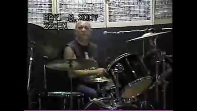 Arnel Pineda B-day jam w the CHRONICL...