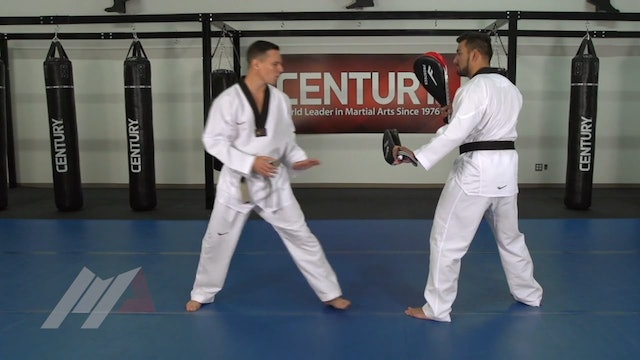 Juan Moreno - Body Kick Head Kick Combo