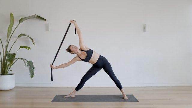 18 Minute Strappy Flow for the Upper Body
