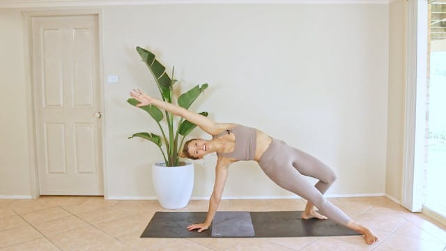 25 Minute Pilates Flow - Heart Opening