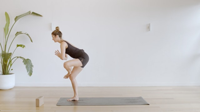 27 Minute Flow Working Through the Hips and Challenging Balance