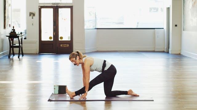 Gentle Yoga Basics- Hips and Shoulder...