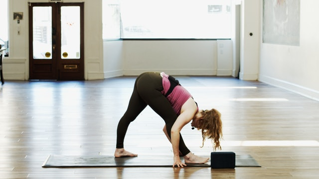 Yoga Basics Triangle Series | CayCay | 3/2