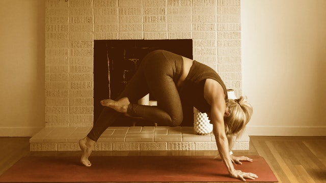 Power Yoga with Laura 002